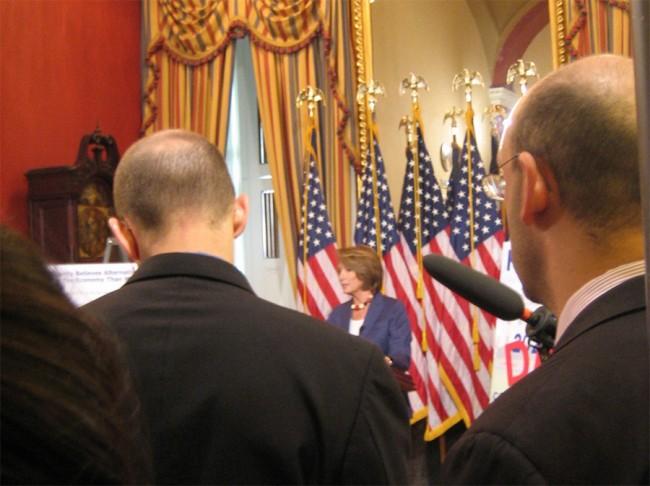 Pelosi bei Pressekonferenz