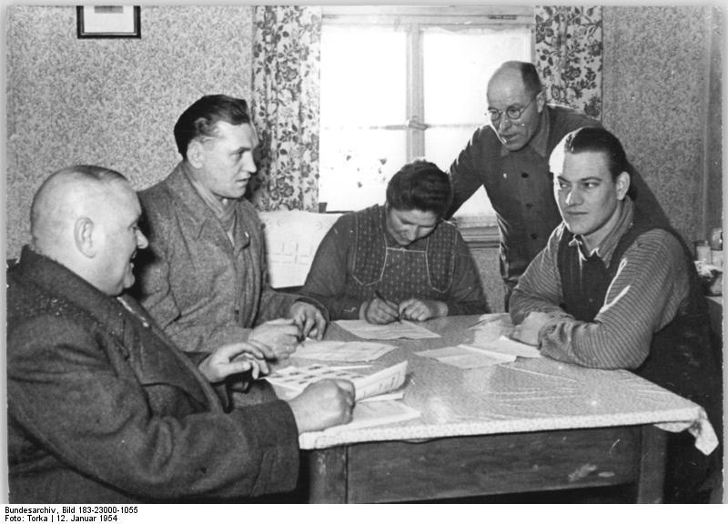Unterschriftensammlung im Jahr 1954