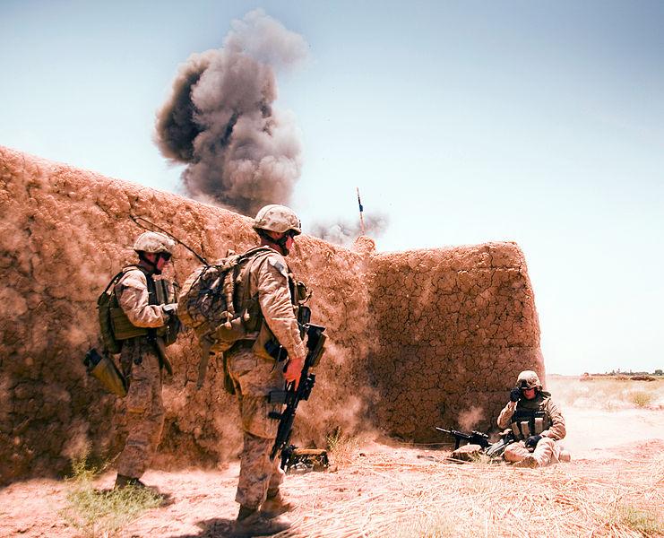 US-Marines bei der Mettsprengung